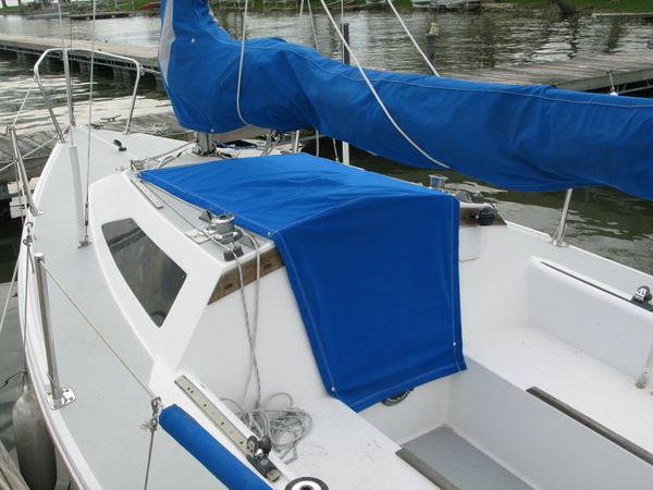 Capri 22 Hatch Cover