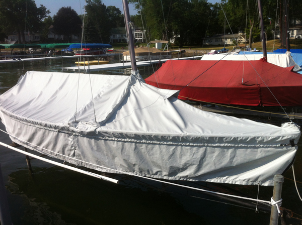Lightning Skirted Mooring Cover