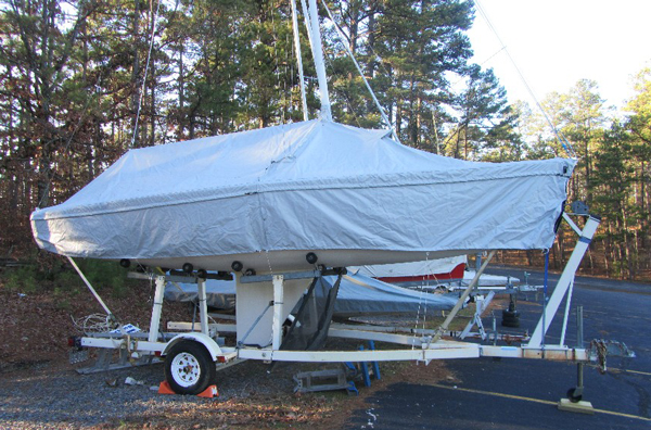 J22 Skirted Mooring Cover